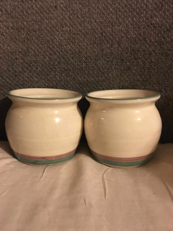 Pair of mini ceramic pots