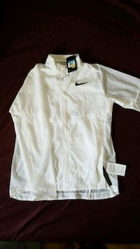 Nike windbreaker: running division Medium Toronto, M2J 3B6