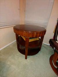 Solid Cherry Wood end table Rio Rancho, 87144