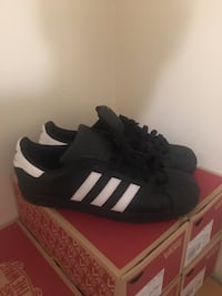 Adidas shell toes Raleigh, 27604