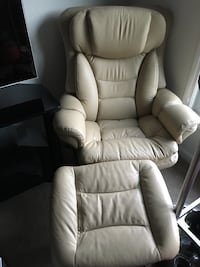 Leather recliner chair & Ottoman Annapolis, 21403