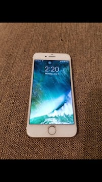 iPhone 7 gold 10/10 condition  Midland, L4R 2M9