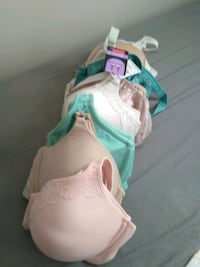 Lot of new bras 40D