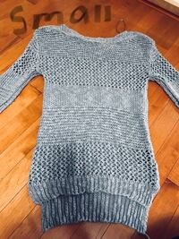 women's gray knitted long sleeve top