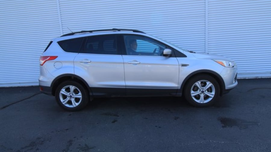 2016 Ford Escape SE / BACK UP CAM & SENSORS / HEATED SEATS  / NAVIG 575a09fb-0694-4516-bd28-222390a57629