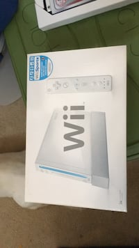 wii console w/  accessories NO GAMES Saint Augustine, 32092