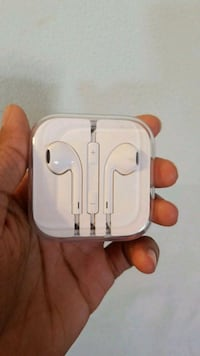 Apple EarPods with case Chantilly, 20151
