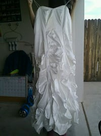 Wedding dress large  Carlsbad, 88220