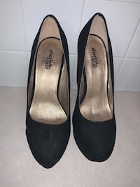 Black Charming Charlie High heels. Size 7