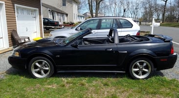 Ford - Mustang Convertible GT 5-Speed - 2002