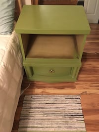 2 matching bedside tables for free 40 km