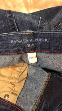 Men's American Eagle jeans and Banana Republic in excellent condition  1485 mi
