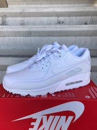 Brand New Air Max 90 Leather Sz 11 Men 95$ or give me a good offer Bakersfield, 93308