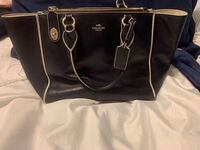 Coach leather navy purse and wallet  Tulsa, 74133