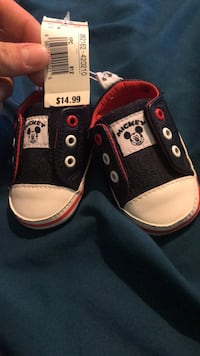 Shoes baby size 2  Brooklyn, 21225