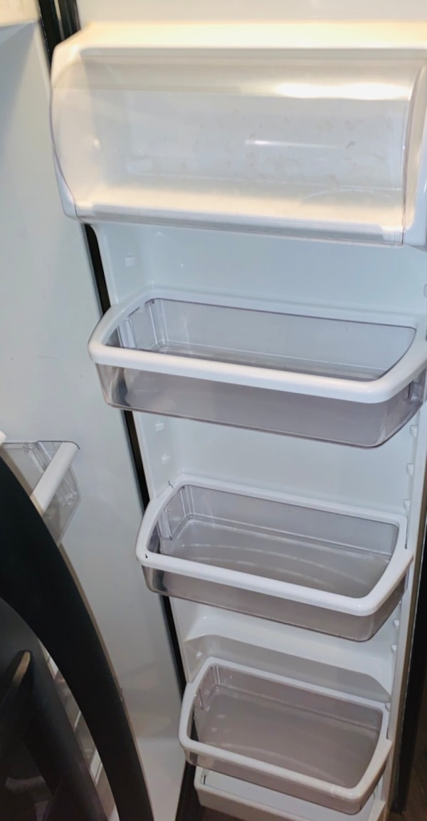 Kenmore Coldspot Refrigerator stainless steel!