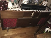 Bar cabinet with stereo speakers Montréal, H1M 2K2