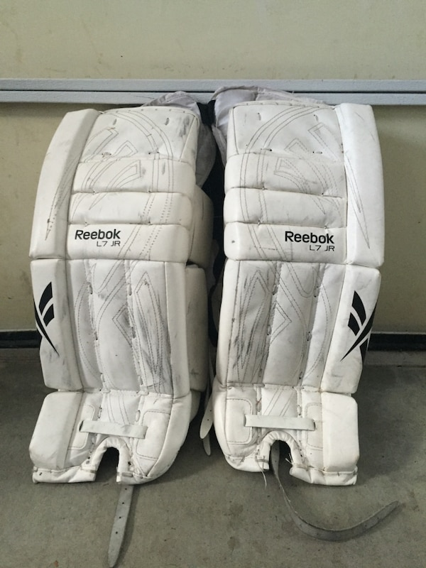 Reebok goalie pads L7 junior size: 26+1