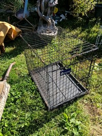 pair of smaller animal cages with trays Niagara Falls, L2E 3K9