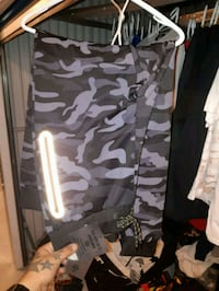 black and gray camouflage pants Surrey, V3T 1H9