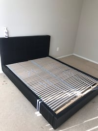 Black leather bed frame with slats (Queen) Arlington, 22202