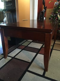Lovely cherry wood coffee table Vallejo, 94590