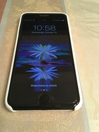 black iPhone 5 with box Watervliet, 12110