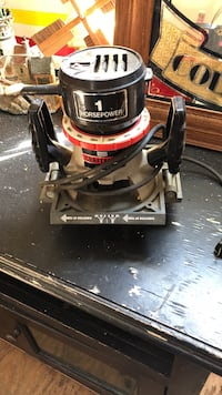 Black and red craftsman wet and dry vacuum cleaner Felton, 19943