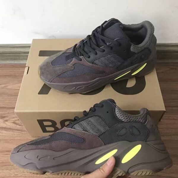 9b42629be68 Used yeezy 700 mauve Size  TL HIDDEN  for sale in New York - letgo