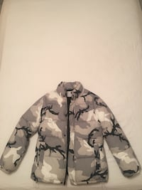 GREY CAMO WINTER JACKET Montreal, H8R 2M1