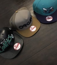 Assorted, authentic snap backs Montréal, H3S 1K9