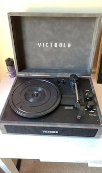 Record player/stereo with 3 records
