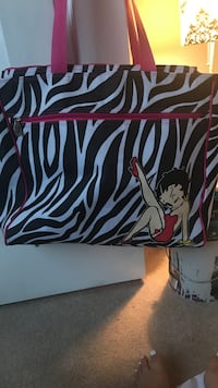 black and white Betty Boop printed tote bag