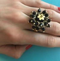 Black/gold cocktail ring
