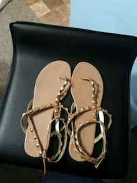 Womens size 11 sandals Tarpon Springs