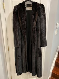 HAPPY HOLIDAYS! PRICE REDUCTION Natural Ranch Mink Coat Manassas Park, 20111