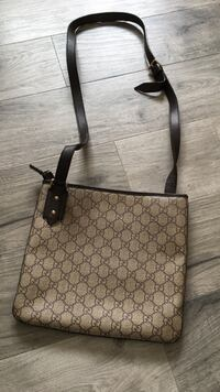 Authentic Gucci side bag Surrey, V3S 9C5