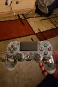 PS4 CONTROLLER PICK UP ONLY  Las Vegas, 89104