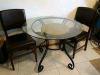 Small glass table and 2 chairs Eagan, 55122