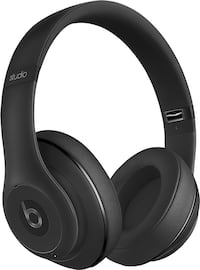 Beats Solo 3 - Black MINT WITH CASE  OG PRICE $400!!! 50 % off Burnaby, V5H 0E9