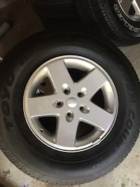 Set of 4 Jeep Wrangler Wheels and Tires 255/75r17