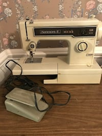 white and black Singer electric sewing machine Virginia Beach, 23464