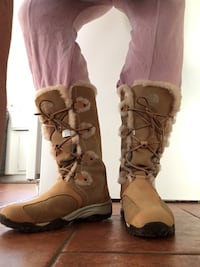 North Face winter boots women's 9.5, tan and fur color  Thousand Oaks, 91360