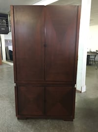 Beautiful Solid Wood Entertainment Center Rayne, 70578