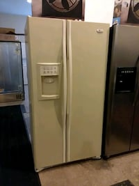 ge refrigerator excellent condition 4months warranty ( [PHONE NUMBER HIDDEN]