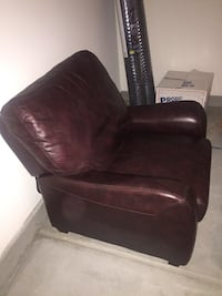 Brown leather recliner Santee, 92071