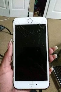 gold iPhone 6 with black case Oxon Hill, 20745