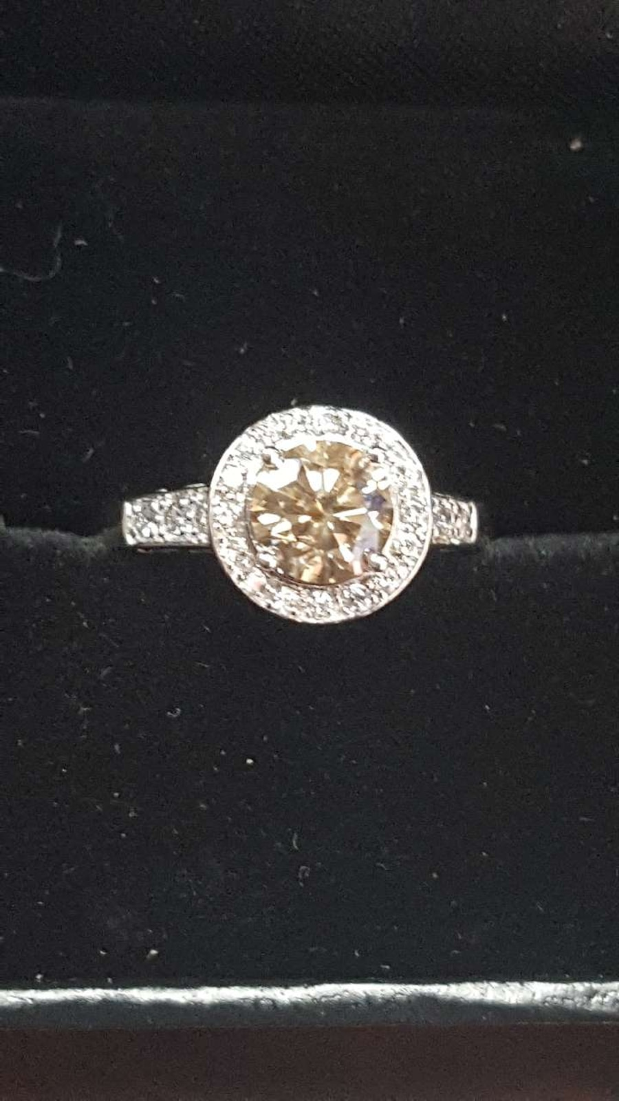 1kt diamond ring 14k white gold appraisal $2950 in Bakersfield letgo