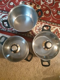 Cooking Silver Pots ( pick up in Airdrie)