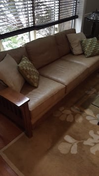Mission-style light brown leather 3-seat sofa Glenview, 60025